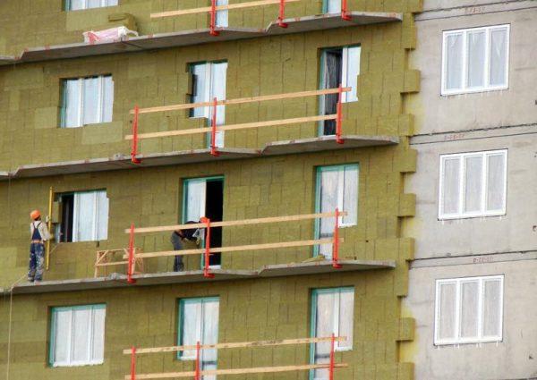 Тонкости мокрого фасада по минеральной вате: как выполнить монтаж качественно + 15 фото с примерами работ