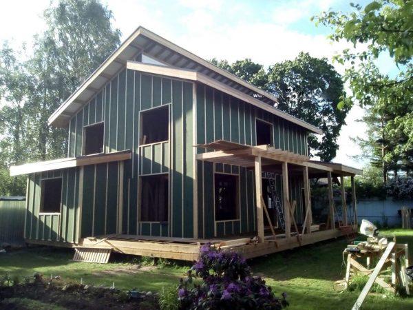Дом с обшивкой