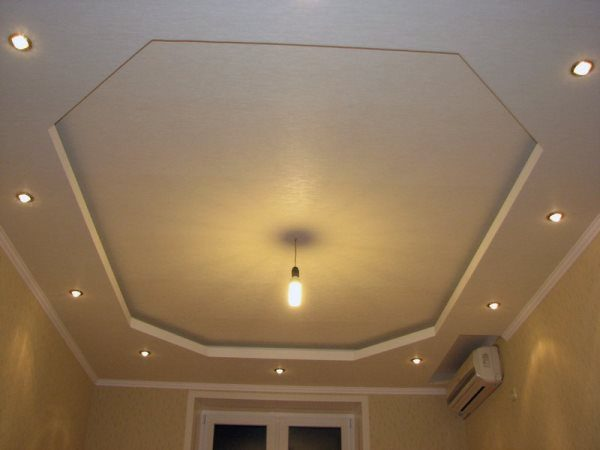 Одноярусный потолок