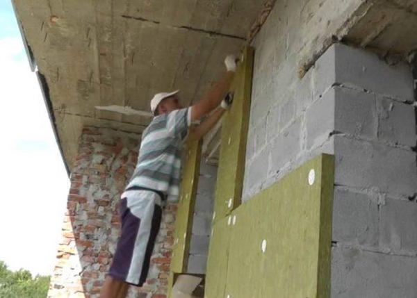 Крепление плит на стены