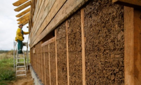 Дом из древесных опилок